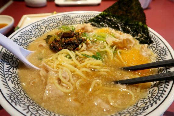 丸源ラーメン麺は細麺