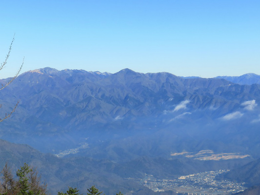 二十六夜山から大菩薩方面