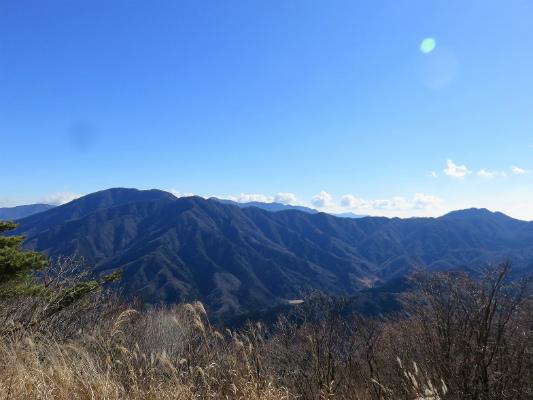 菜畑山からの丹沢方面の景色