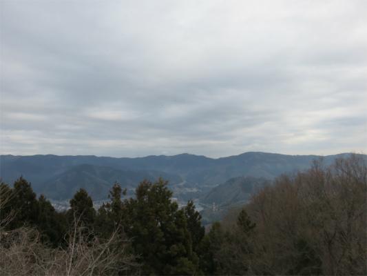 石老山・石砂山登山笹尾根方面の景色