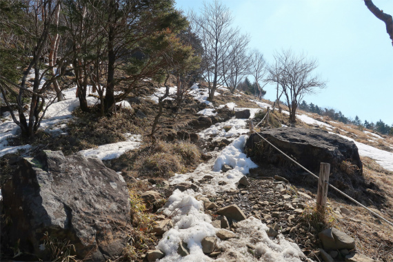 唐松尾根で大菩薩嶺登山道