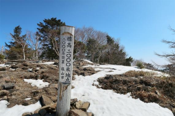 大菩薩嶺から大菩薩峠の中間付近2000米地点