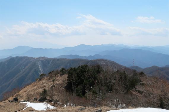 小金沢連嶺らしい雄大な景色