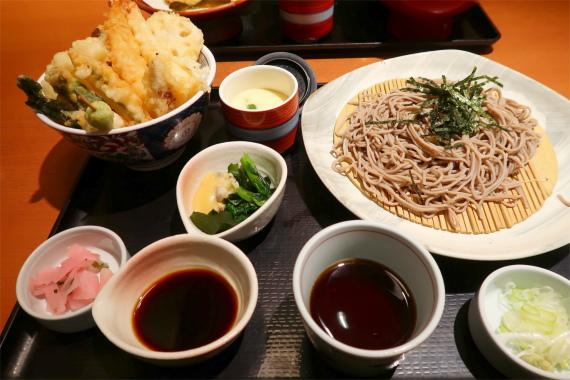 注文した和食さとの真鯛と春野菜の天丼御膳
