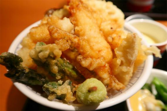 真鯛と春野菜の天丼
