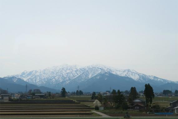 >北陸新幹線から立山の景色