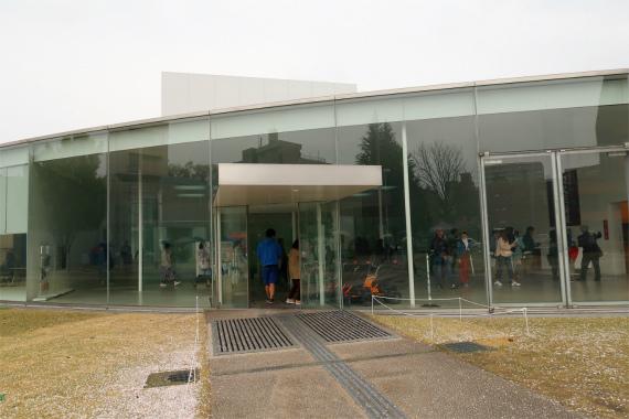 21世紀美術館の外観