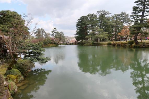 兼六園の見どころの1つ霞ヶ池