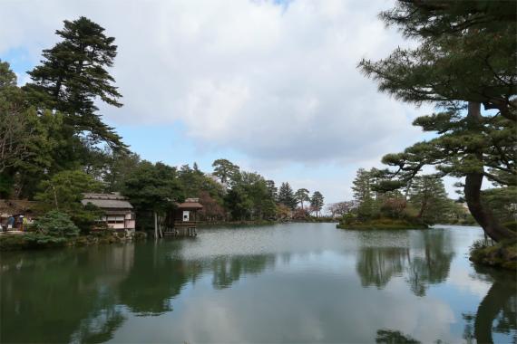 霞ヶ池周辺THE日本庭園