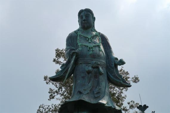兼六園の見どころ日本武尊像