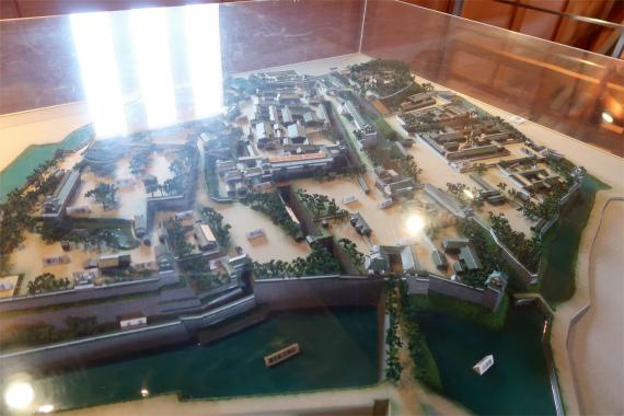 復元された昔の金沢城