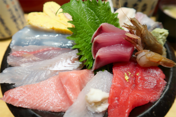 いきいき亭の海鮮刺身も脂が乗っていて美味し