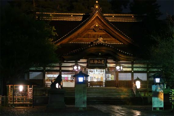 尾山神社もライトアップ荘厳な姿