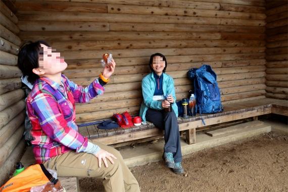 和気あいあいな感じの武甲山山頂でのランチタイム