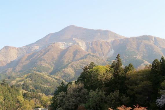 羊山公園からの武甲山景色