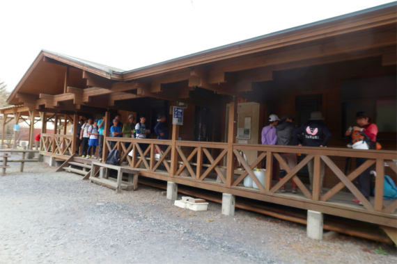 堂平山の直下にあるキャンプ場のトイレ