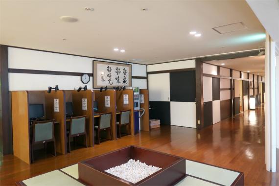 万葉の湯小田原のインターネットルーム