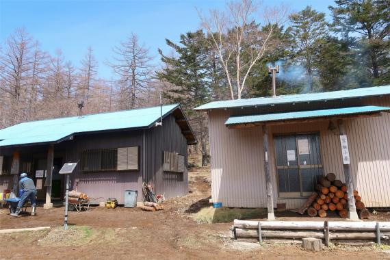 笠取小屋のテント泊料金は500円