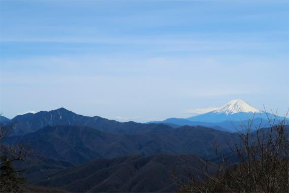 水干付近からの富士山と大菩薩嶺
