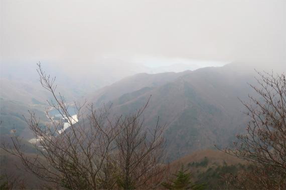 黒金山方面と広瀬湖