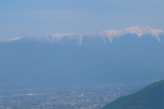 農鳥岳左に伸びる稜線が白峰南嶺景色