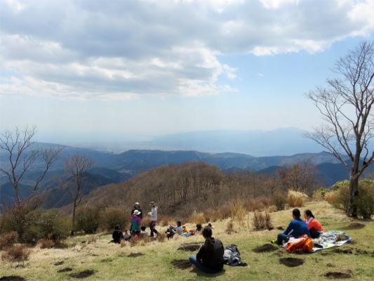 鍋割山の山頂の様子