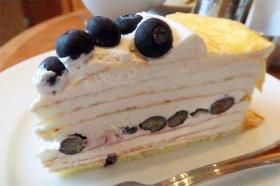 ハーブスのケーキ大きい