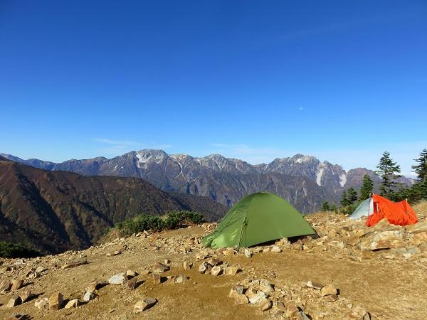 山小屋でのテント泊受付の流れとマナー