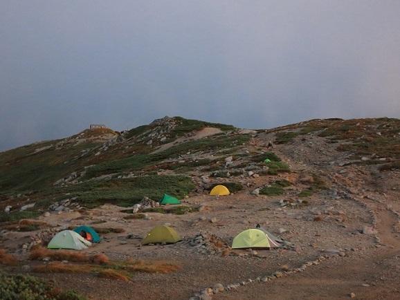 テント泊マナーと設営の様子