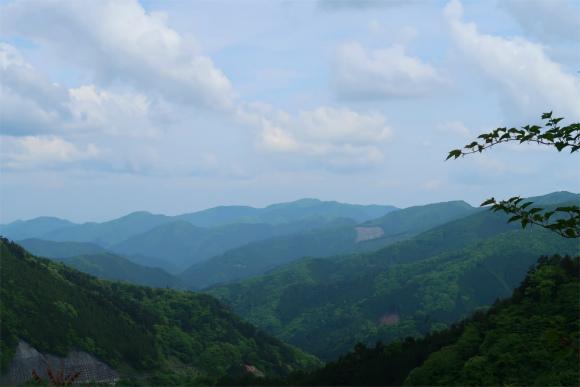 三頭ノ大滝の滝観橋の近くからの景色