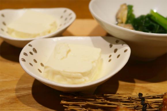 響新宿サザンタワー店の豆腐料理