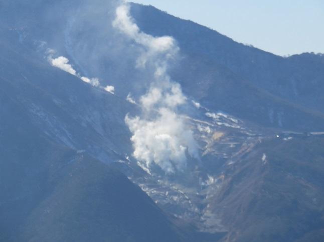箱根大涌谷の噴気写真