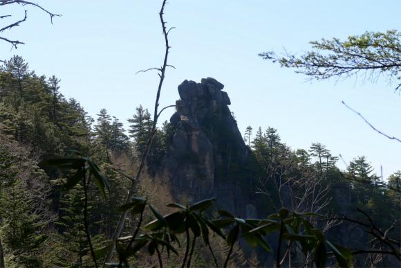 瑞牆山東尾根見れない巨石