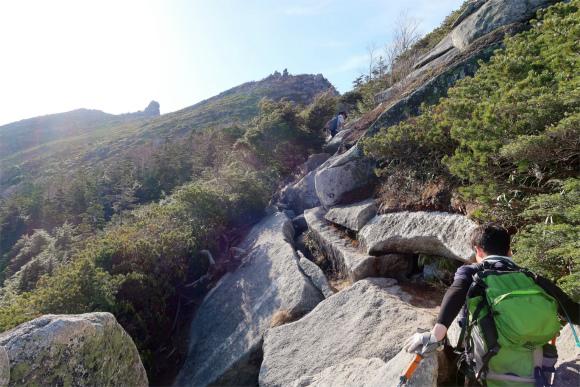 金峰山直下の悪路