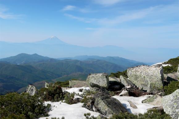 富士山の景色には残雪が絵