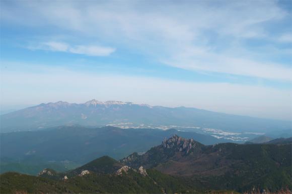 金峰山小屋への登山ルートと展望