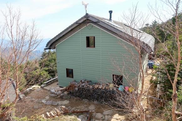 金峰山小屋新しい山小屋
