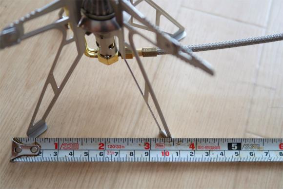 バーナーの五徳の長さが約5cm差引6cmガス缶と距離が離れている