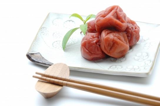 熱中症を予防する食べ物・栄養素・梅干しクエン酸