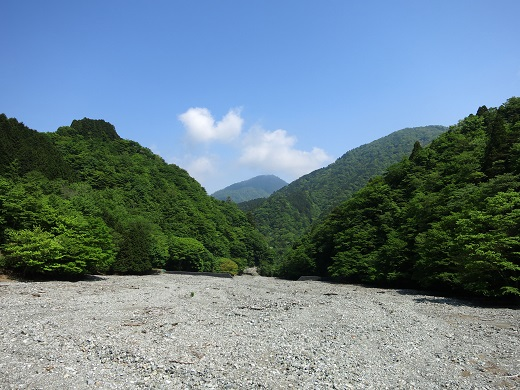 尊仏ノ土平からの蛭ヶ岳の景色