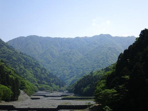 尊仏ノ土平からの丹沢アルプスの景色