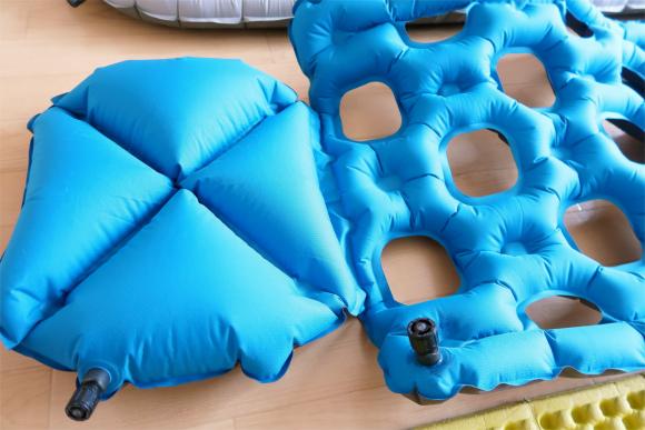 クライミットイナーシャオゾンエアー式枕付いている