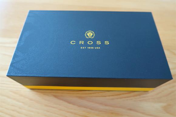 クロスのボールペンの箱