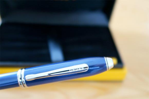 ボールペン留め金にCROSSと小さく刻印
