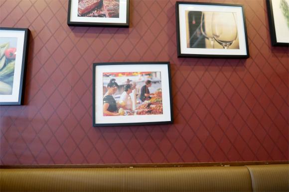 あさくまの店内の様子店内の壁