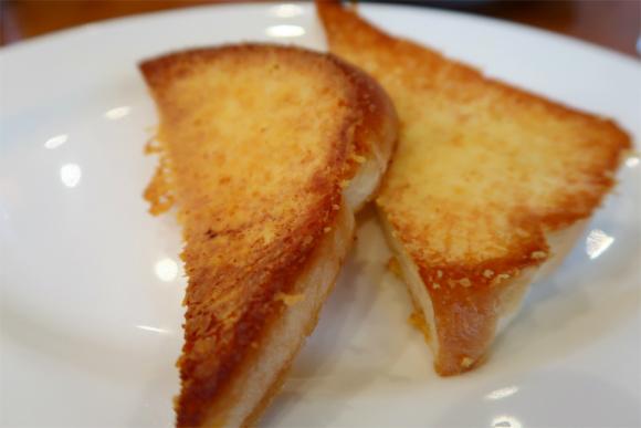 シズラー名物チーズトースト