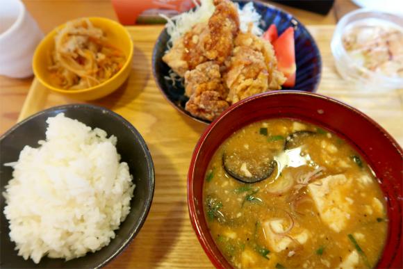 山田食堂の日替わり定食(ランチメニュー)900円