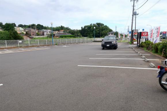 回転寿司ふじ丸の駐車場