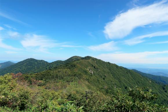 目洗い清水から見た地蔵岳方面