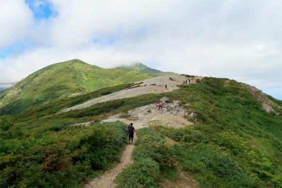 切合小屋ルート鳳凰三山、燕岳の稜線の雰囲気に似ている